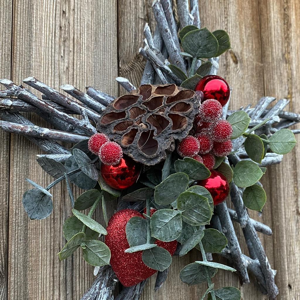 Rustic White Wash Wooden Star - Lotus & Berries
