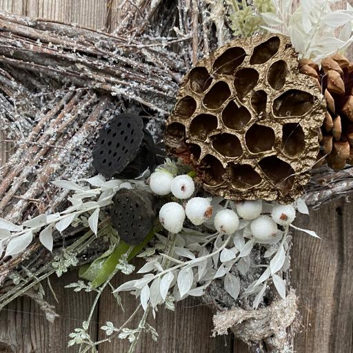 White Glitter Hanging Star – Lotus & White Berries